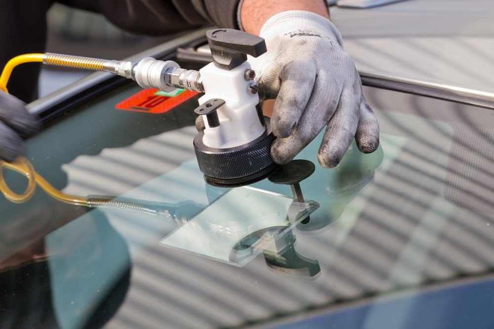 Ремонт автомобильного стекла своими руками